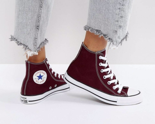 Converse All Star Hi Tops in Burgundy